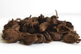 Cardamome noire: vertus, avantages et recettes